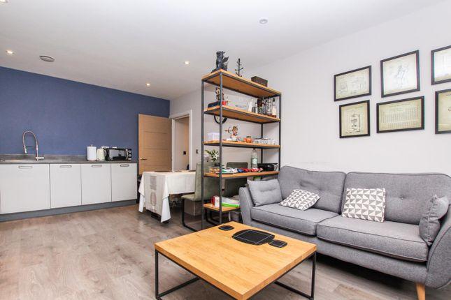 Thumbnail Flat for sale in Geneva House, Park Road, Peterborough