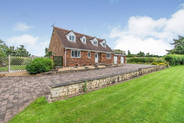 Thumbnail Detached bungalow for sale in Low Lane, Braithwaite, Doncaster