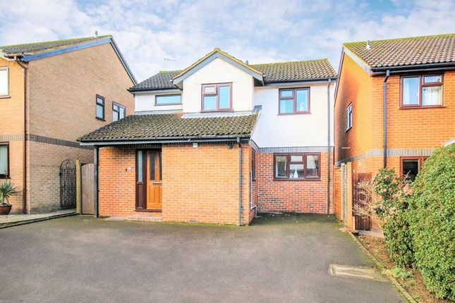 Thumbnail Detached house for sale in Weldon Way, Thame