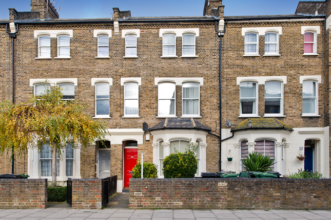 1 bed flat for sale in Chester Road, London