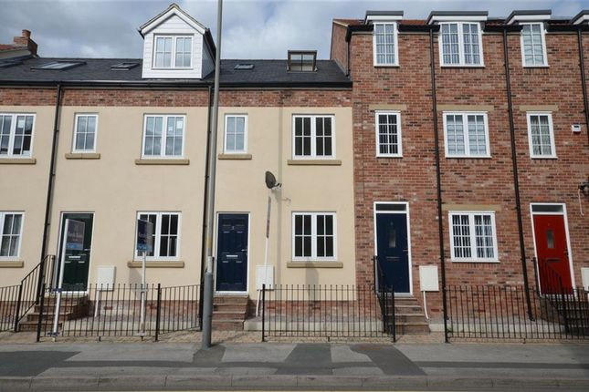 Thumbnail Town house to rent in Bridge Wharf, Selby