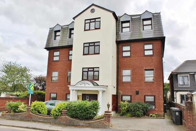 Thumbnail Flat to rent in Manor Road, Chigwell