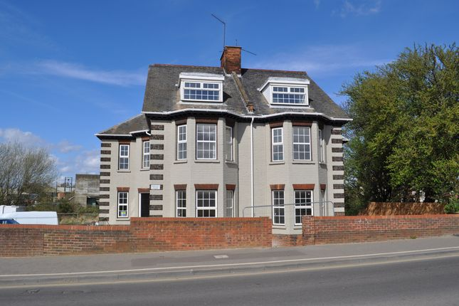 2 bed maisonette for sale in Wisbech Road, King's Lynn