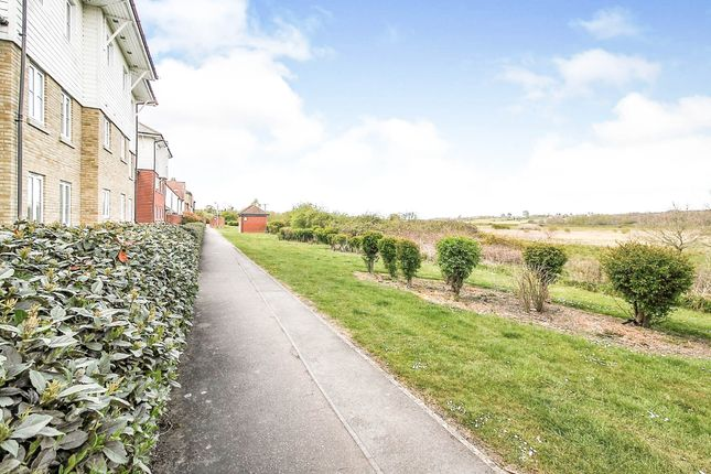 Thumbnail Flat for sale in Iona Walk, Rowhedge, Colchester