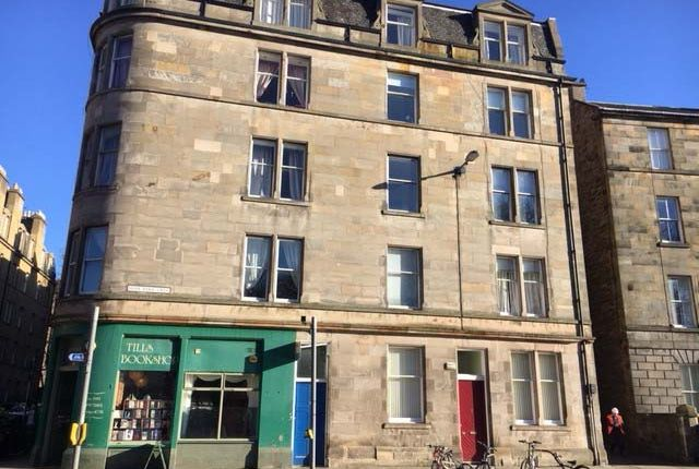 Thumbnail Flat to rent in Hope Park Crescent, Meadows, Edinburgh