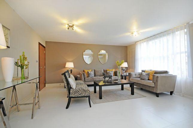 3 bed flat for sale in Knightsbridge, London