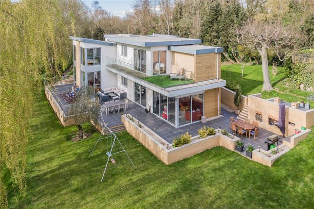 5 bed detached house for sale in High Street, Yelling, St Neots, Cambridgeshire PE19
