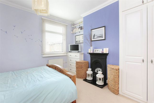 Picture No. 10 of Haverhill Road, Balham, London SW12
