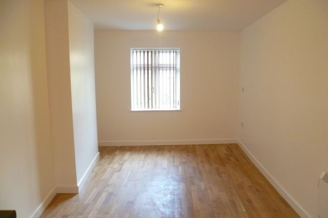 Thumbnail Flat to rent in High Street, Rotherham