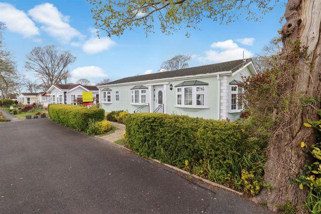 2 bed mobile/park home for sale in Beech Avenue, Deanland Wood Park, Golden Cross, Hailsham BN27
