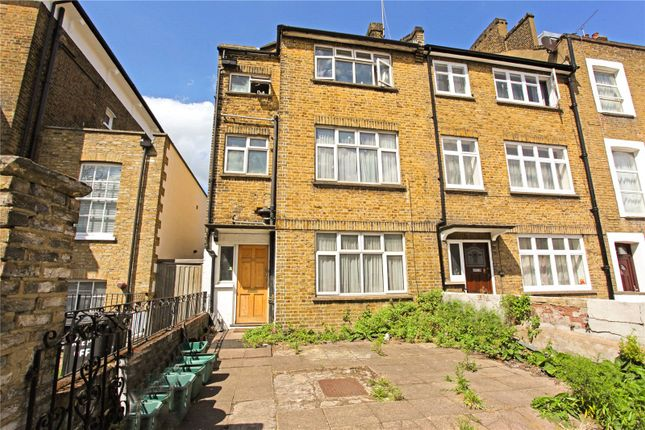Thumbnail End terrace house to rent in Tollington Road, London
