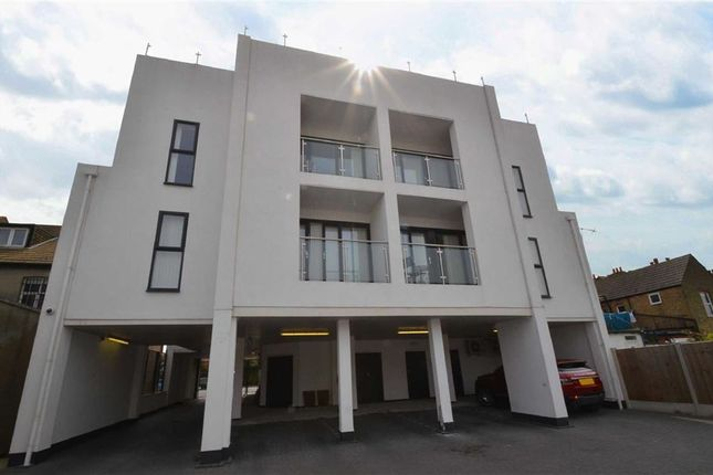 Thumbnail Flat to rent in 853 London Road, Westcliff-On-Sea, Essex