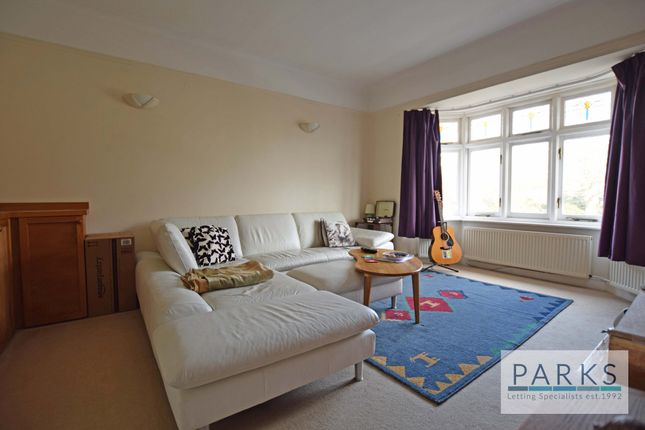 Thumbnail Flat to rent in Pembroke Gardens, Hove