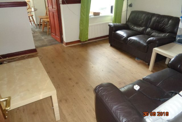 Thumbnail Terraced house to rent in Oxford Street, Treforest