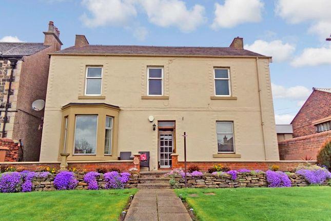 Thumbnail Flat for sale in Bayview House, Links Road, Leven