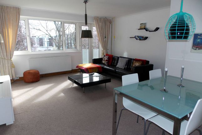 2 bed flat to rent in Godolphin House, Fellows Road, Swiss Cottage