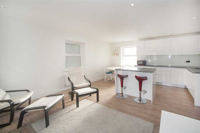 Thumbnail Flat to rent in Havilland Mews, London