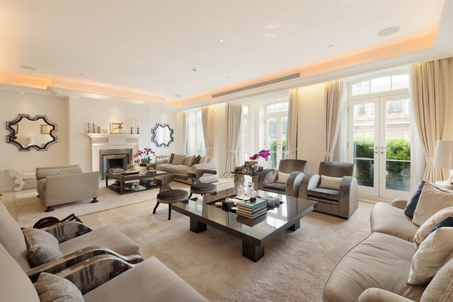 Thumbnail Terraced house for sale in Farm Street, Mayfair, London