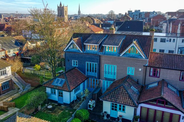 Thumbnail Town house for sale in Willets Court, Norwich