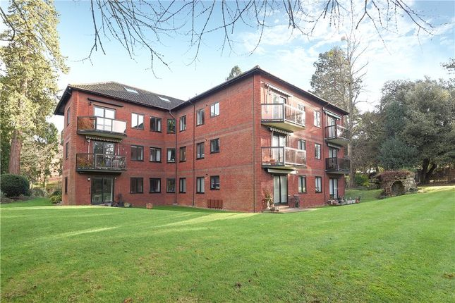 3 bed flat for sale in Fairlawns, Laustan Close, Guildford
