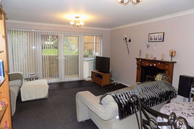 3 bed mews house for sale in Barton Fold, Gee Cross, Hyde SK14