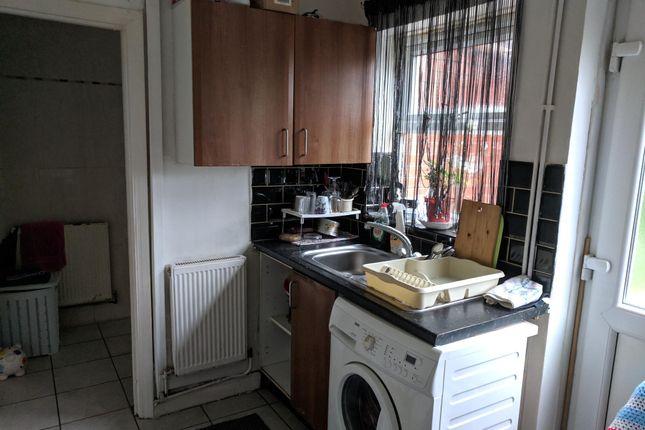 Kitchen of Earlsmead Road, Birmingham B21