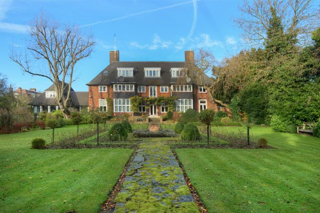 Thumbnail Detached house for sale in Linnell Drive, London