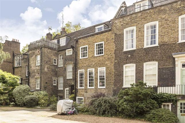 Thumbnail Terraced house for sale in Stepney Green, London