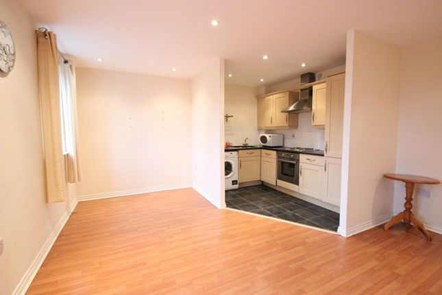 Thumbnail Flat to rent in Grey Lane, Witney