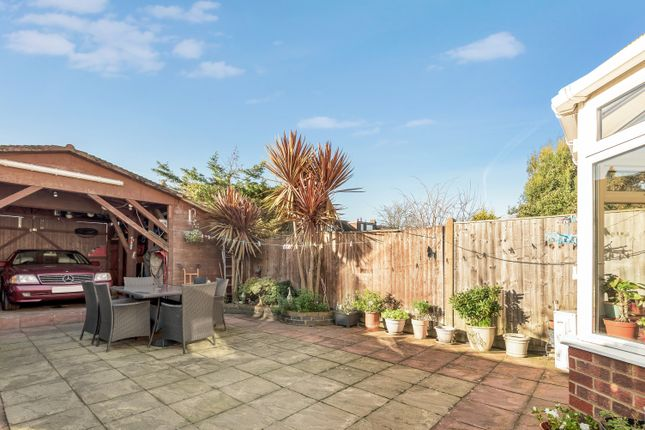 4 Bed Terraced House For Sale In Nyon Grove London Se6 Zoopla