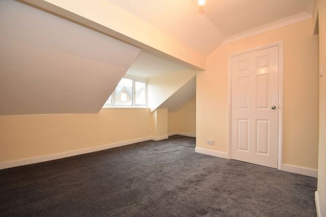 Thumbnail Flat to rent in Oakly Road, Batchley, Redditch