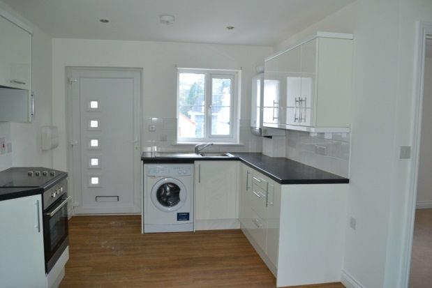 Thumbnail Flat to rent in Higher Lux Street, Liskeard