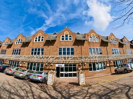 Thumbnail Office to let in Fountain Court, Victoria Square, St Albans, Hertfordshire