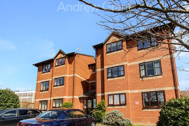 Thumbnail Flat to rent in Byfield Rise, Worcester