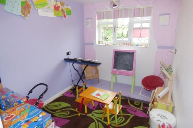 Family Room of Norbreck Close, Great Sankey, Warrington, Cheshire WA5
