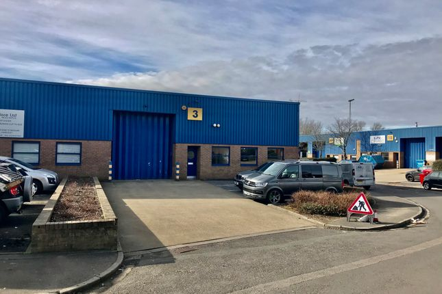Thumbnail Industrial to let in Unit 3, St Georges Industrial Estate, Camberley