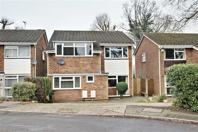 Thumbnail Detached house for sale in Lombardy Close, Leverstock Green, Hertfordshire