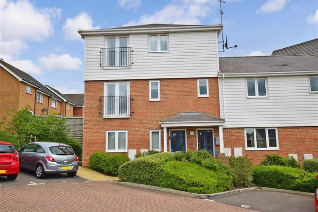 Thumbnail Flat for sale in Forest Avenue, Ashford, Kent