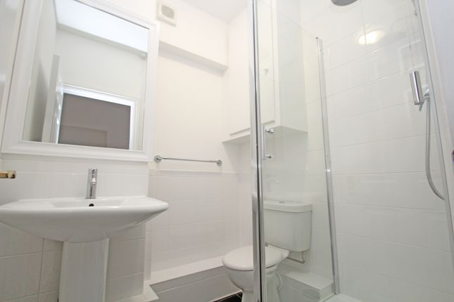 Bathroom of Queens Gate, Lipson, Plymouth PL4