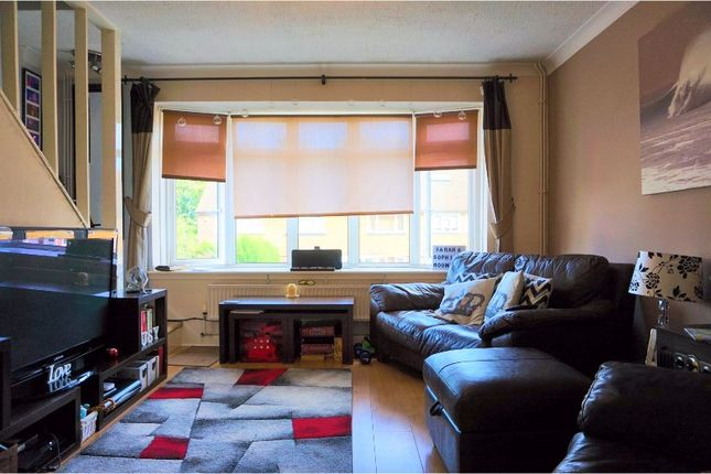 Thumbnail Flat for sale in Woodchurch Close, Sidcup