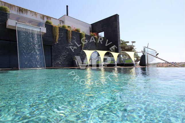 Thumbnail Villa for sale in Galé, Albufeira E Olhos De Água, Algarve