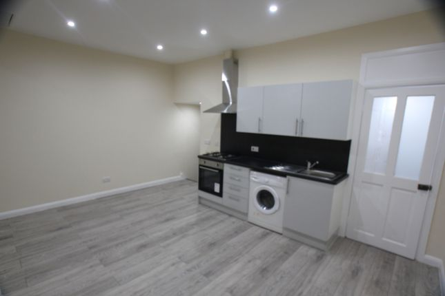 Thumbnail Flat to rent in Northfield Parade, Station Road, Hayes