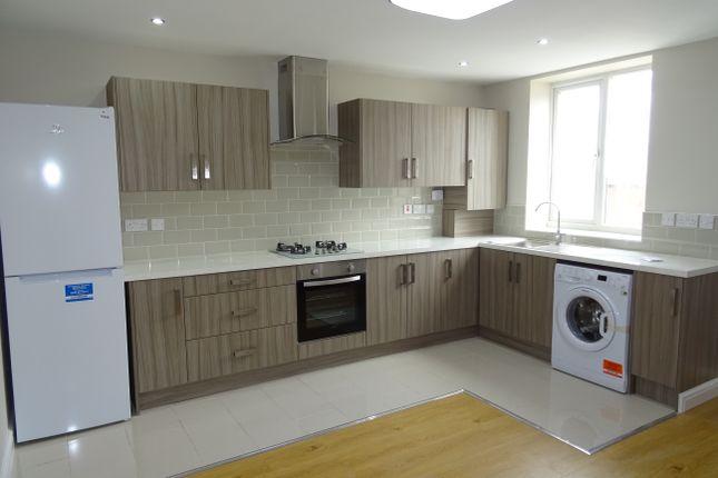 Thumbnail Flat to rent in Gransmoor Road, Droylsden, Manchester