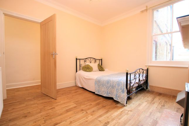 Bedroom of Leverson Street, Streatham / Mitcham Borders SW16