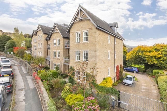 2 bed flat for sale in Riddings Road, Ilkley LS29