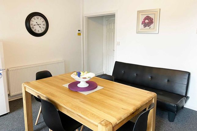 Thumbnail Flat to rent in Clifton Street, Leigh