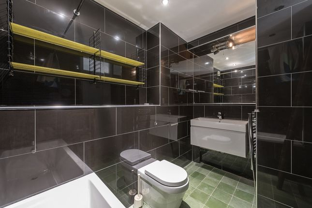 Bathroom of Shepherds Hill, London N6