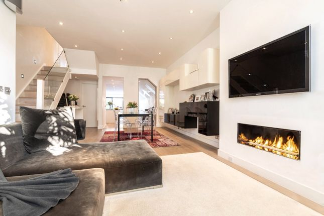 Thumbnail Terraced house to rent in Broughton Road, London