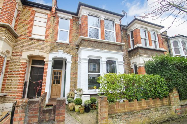 Flat for sale in Leybourne Road, Leytonstone, London
