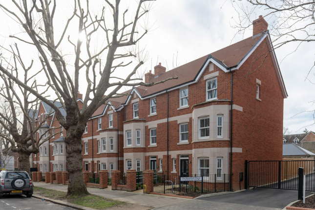 Thumbnail Semi-detached house for sale in Warwick Avenue, Bedford